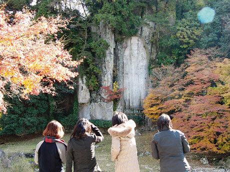 [写真]学外研究/大野寺磨崖仏(奈良県)でのスナップ