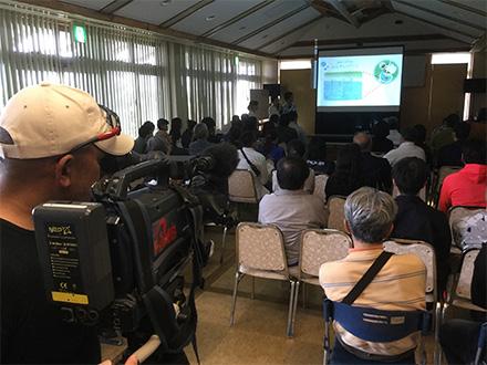 [写真]デザイン専攻 国頭村の特産品開発成果発表会の様子