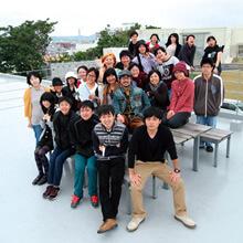 [写真]デザイン専攻学生の集合写真