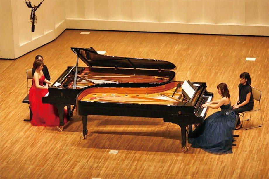 [写真]奏楽堂ホールでのピアノ重奏学内演奏会の様子