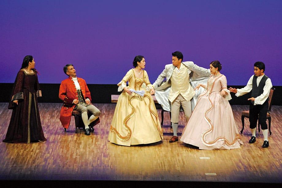 [写真]オペラ学内演奏会〈秘密の結婚〉上演の様子