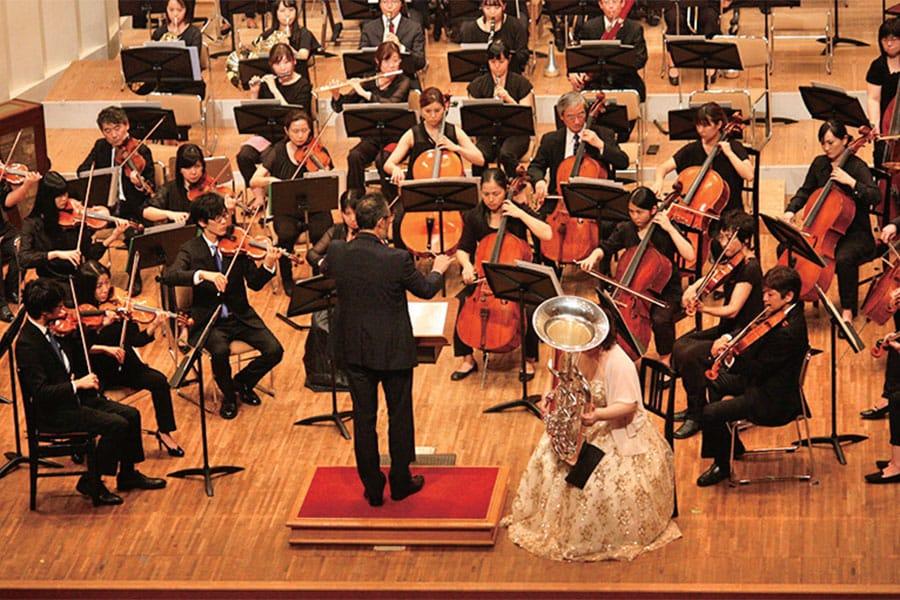 [写真]学生によるオーケストラ演奏風景