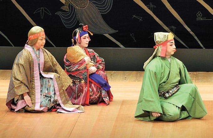 [写真]平成25年度琉球古典音楽専修修士修了生前田博美の成果発表会