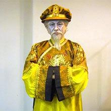 [写真]プッチーニ、歌劇「トゥーランドット」皇帝役(新国立劇場公演)
