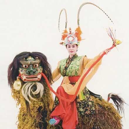 [写真]1719年御冠船芸能想定復元の舞「毬舞」