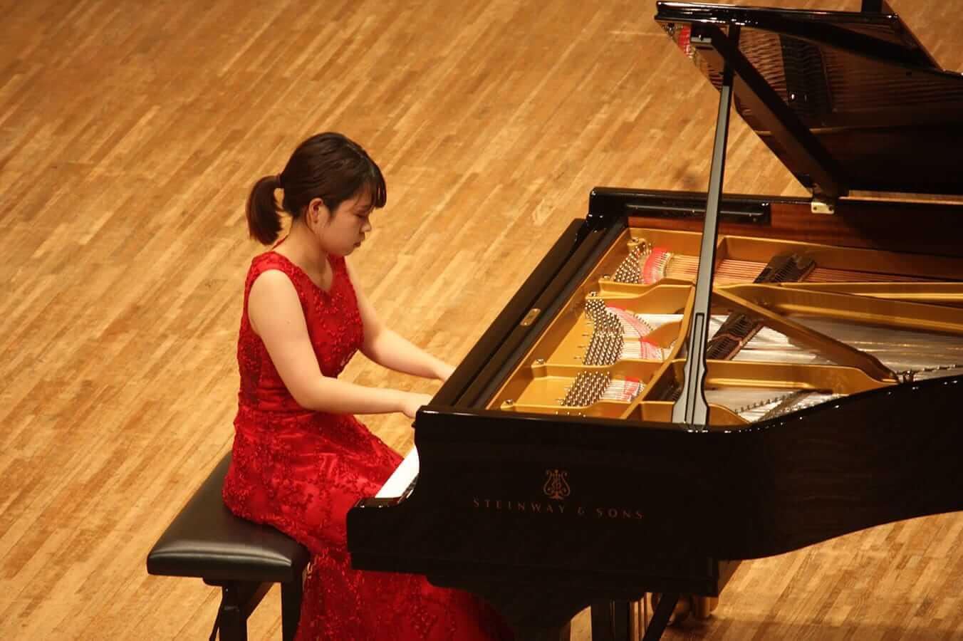 [写真]学内演奏会 ―ピアノコース4年―演奏風景2