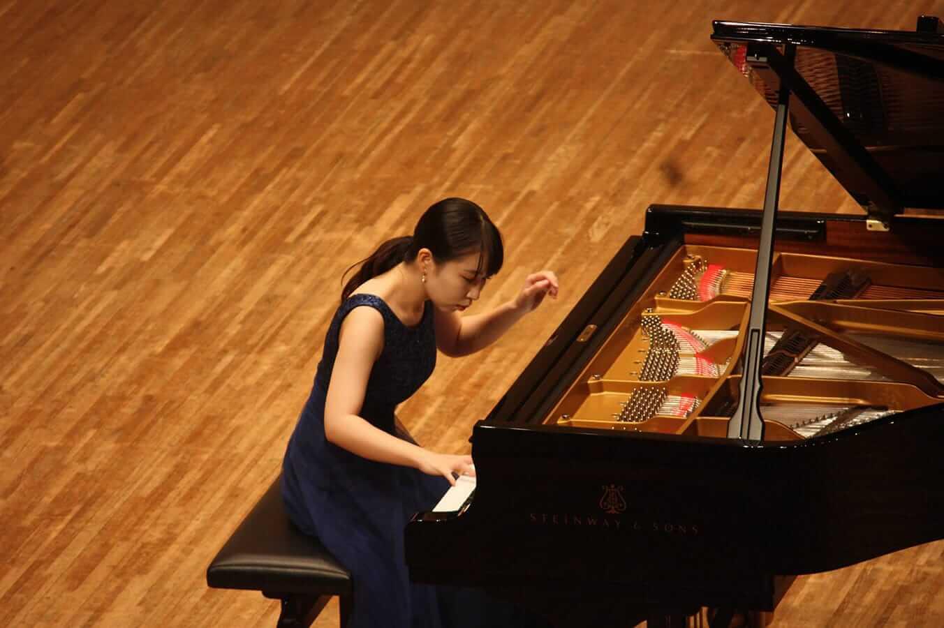 [写真]学内演奏会 ―ピアノコース4年―演奏風景3