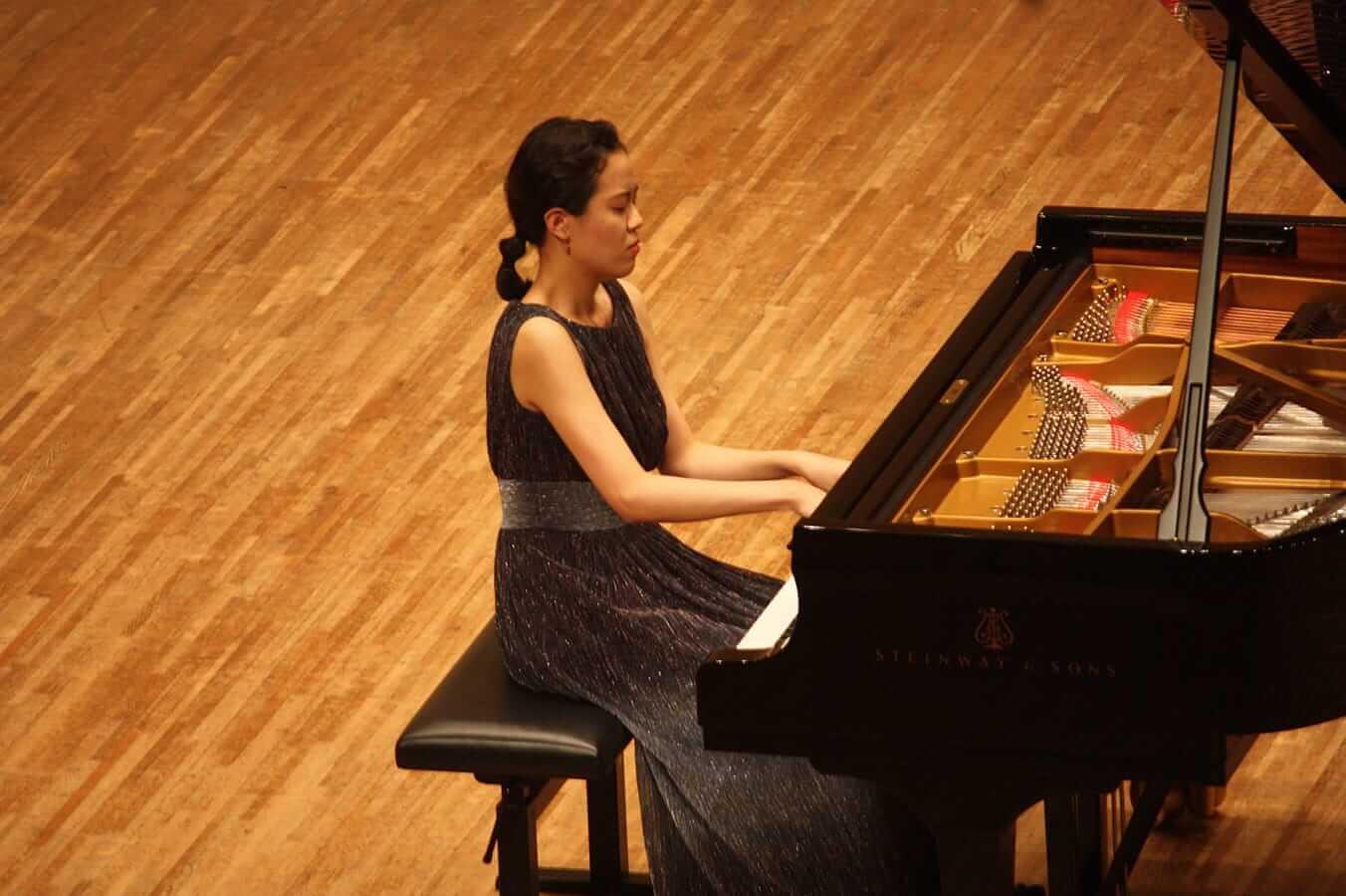 [写真]学内演奏会 ―ピアノコース4年―演奏風景4