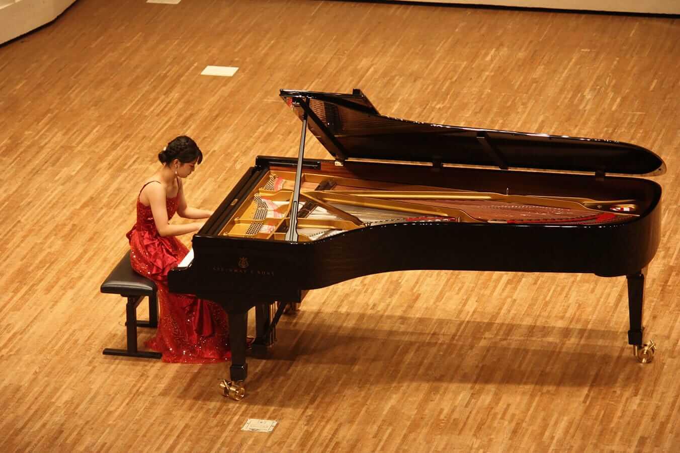 [写真]学内演奏会 ―ピアノコース4年―演奏風景7