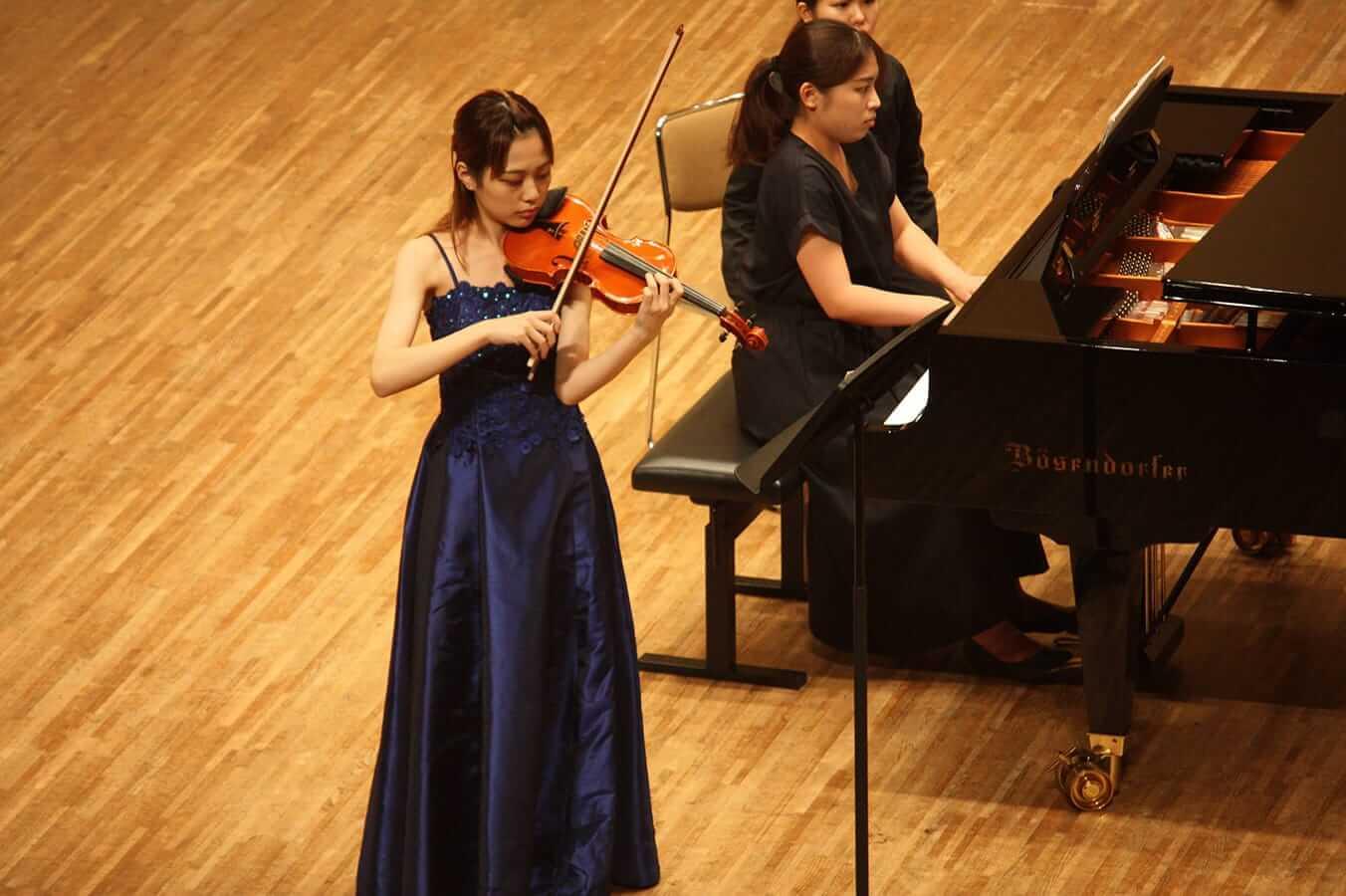 [写真]学内演奏会 ―弦楽コース―演奏風景3