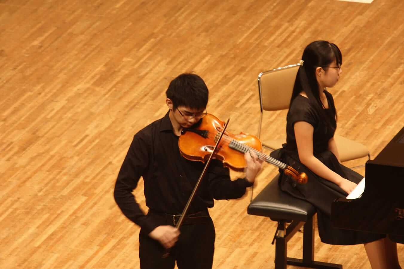 [写真]学内演奏会 ―弦楽コース―演奏風景10