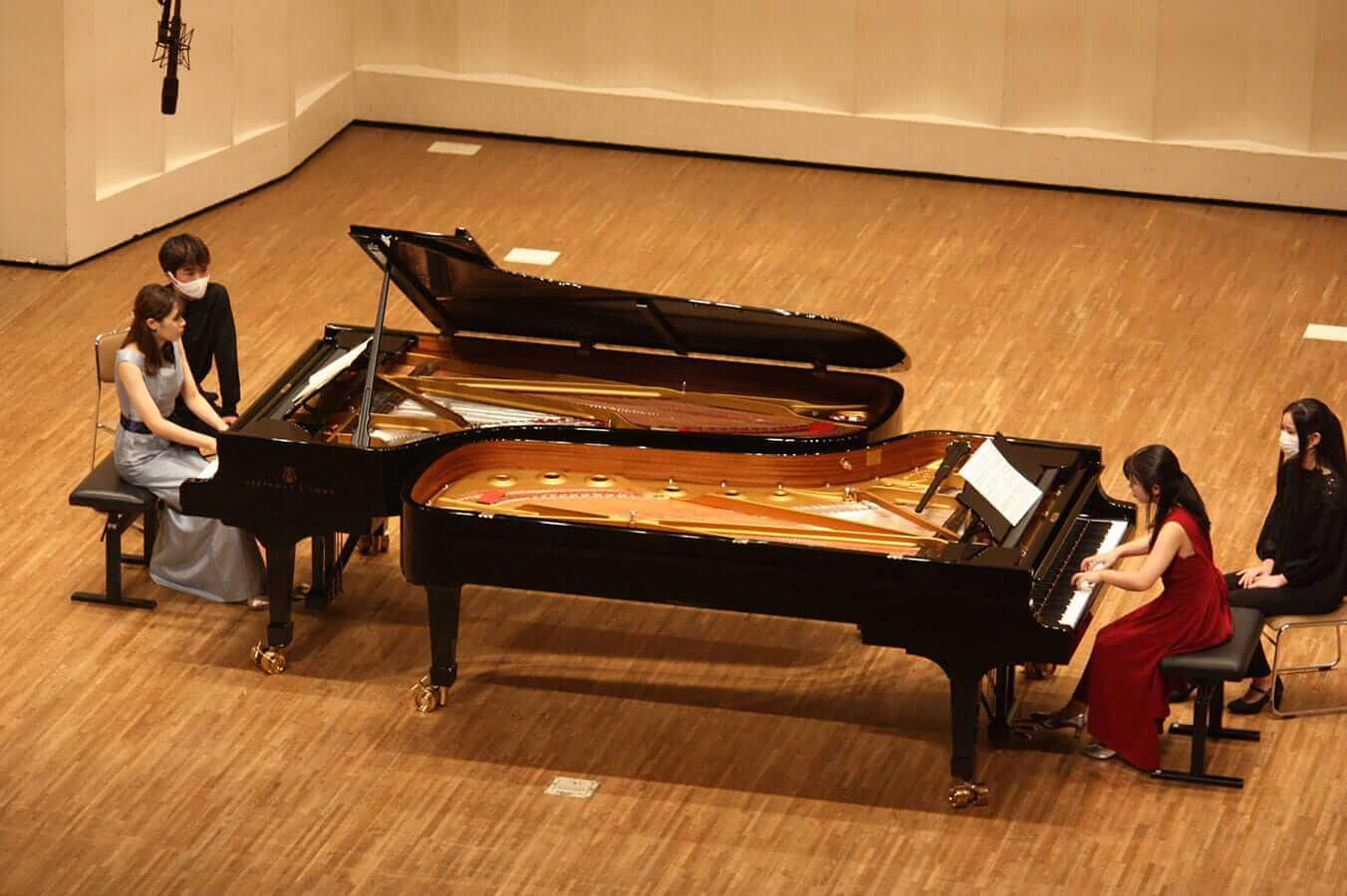 [写真]学内演奏会 ―ピアノコース―演奏風景1