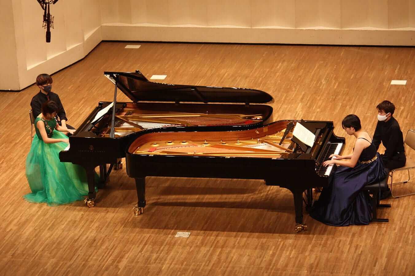 [写真]学内演奏会 ―ピアノコース―演奏風景3