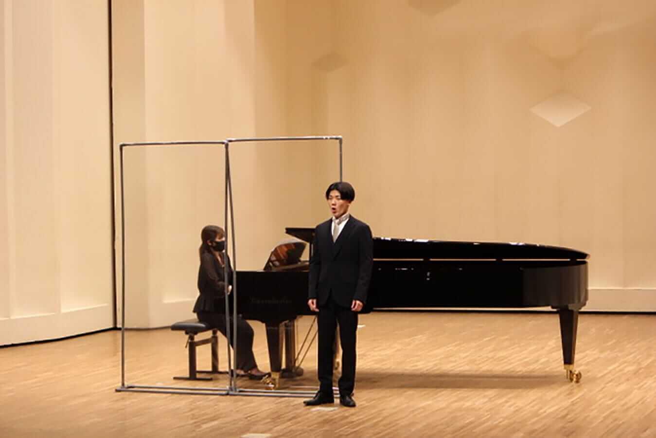 [写真]学内演奏会 ―声楽コース 1・2年次 独唱 3年次 日本歌曲―演奏風景2