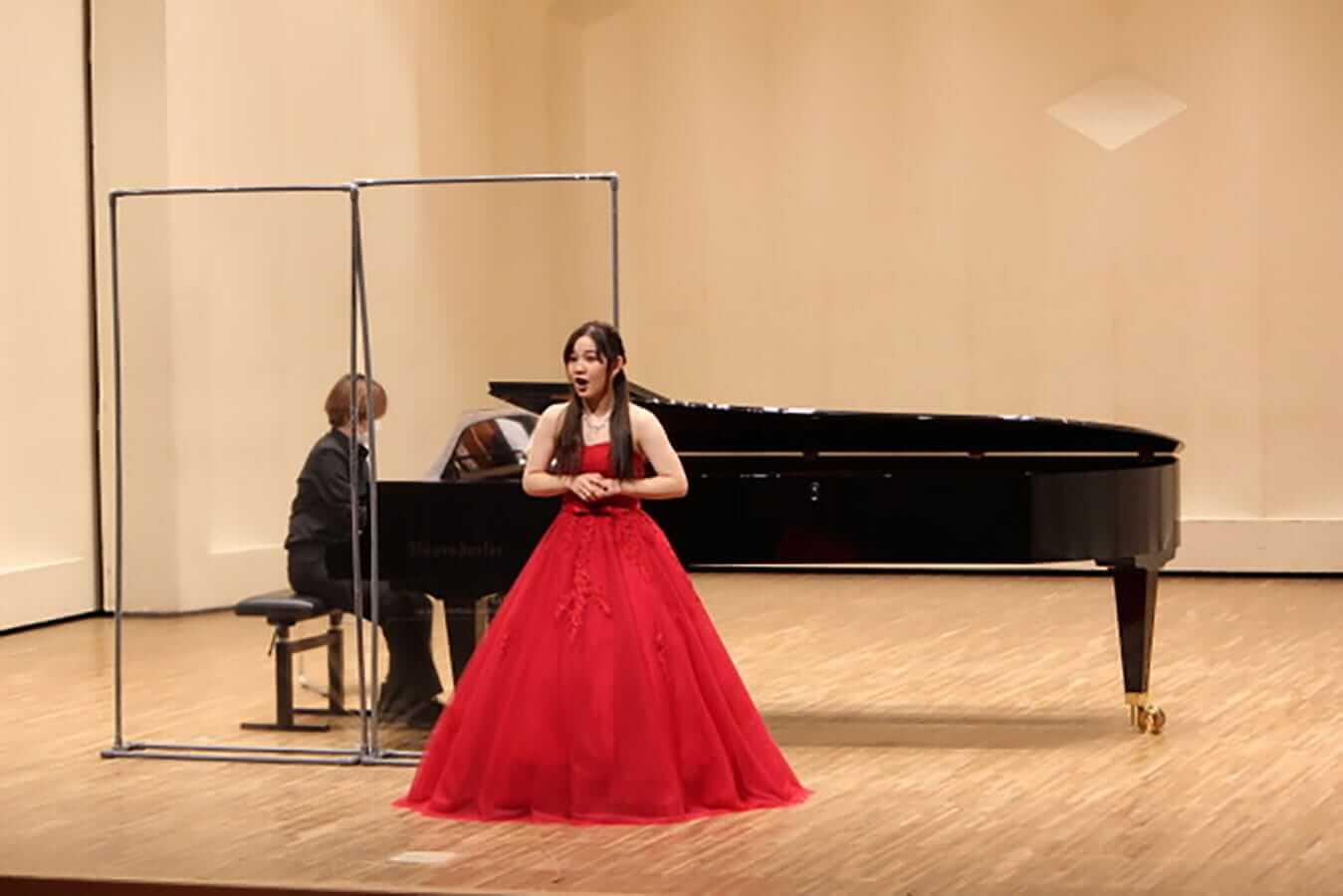 [写真]学内演奏会 ―声楽コース 1・2年次 独唱 3年次 日本歌曲―演奏風景6