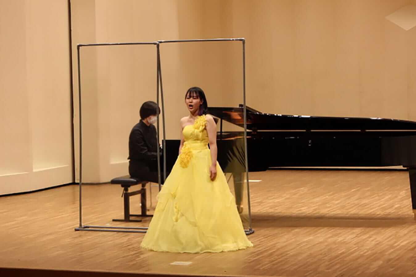 [写真]学内演奏会 ―声楽コース 1・2年次 独唱 3年次 日本歌曲―演奏風景8