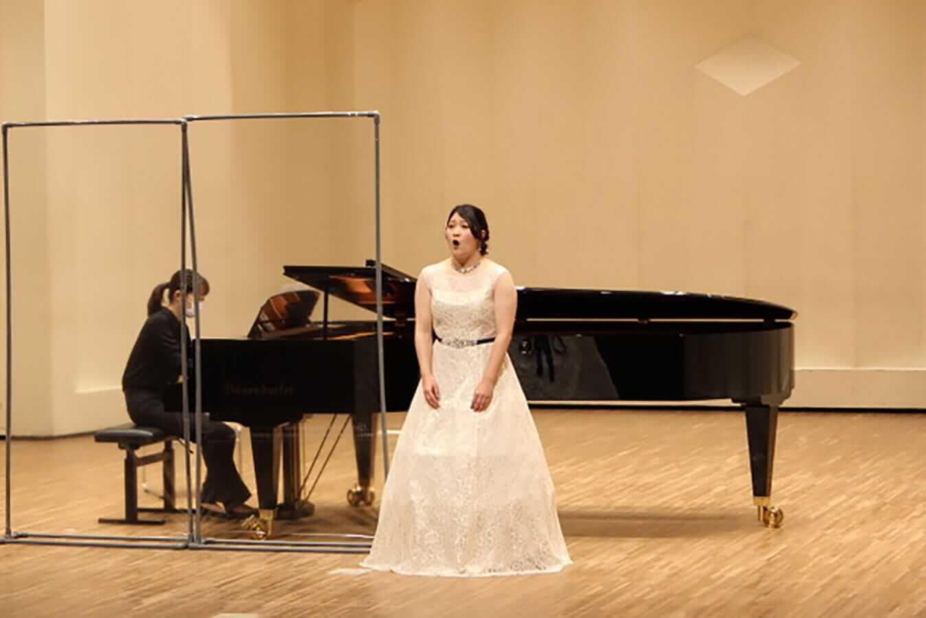 [写真]学内演奏会 ―声楽コース 1・2年次 独唱 3年次 日本歌曲―演奏風景13