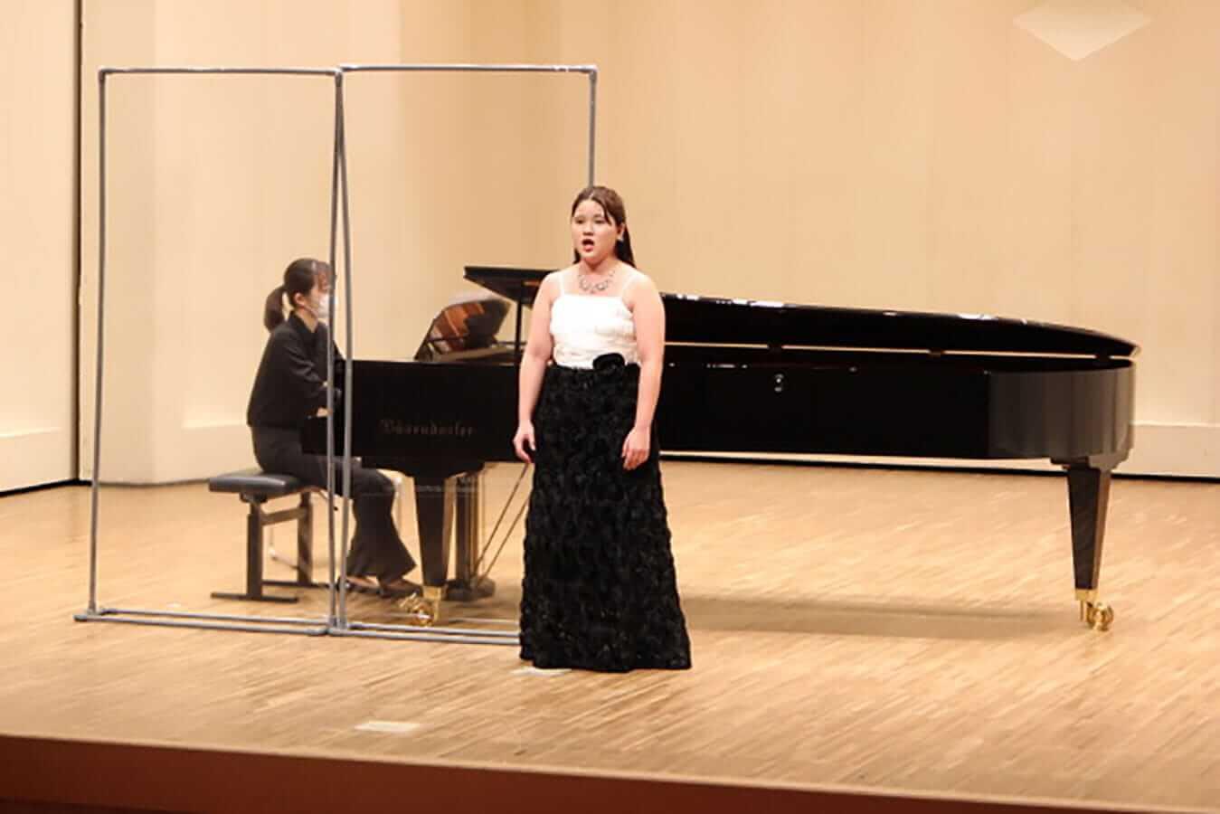 [写真]学内演奏会 ―声楽コース 1・2年次 独唱 3年次 日本歌曲―演奏風景14